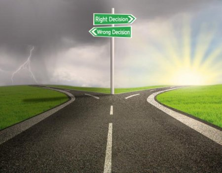 Choose Your Path - The Right vs Wrong Decision SQ